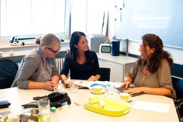 Svenja Schulte, Rosinia Mengkowski und Mona Makhoul