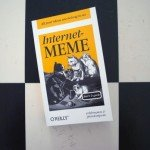 <b>Rezension: »Internet-Meme – kurz & geek«</b>