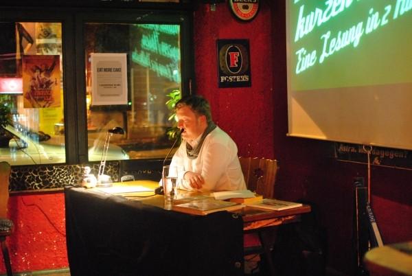 Lesung: Trainer Baade im Limes Bonn